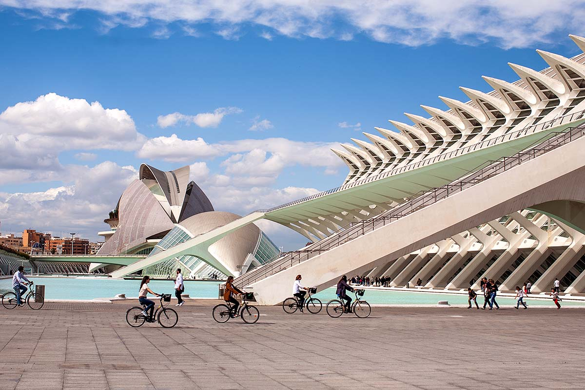 panorama bikes City of Arts and Sciences Ciutat de les Arts i les Ciències Ciudad de las Artes y las Ciencias valencia València valenza spagna spain canon 50mm 50 f/1.2 1.2 5d fullframe ff